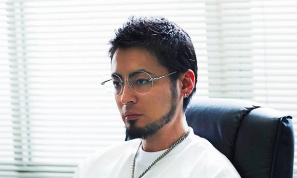 メガネが大きいウシジマくん山田孝之壁紙